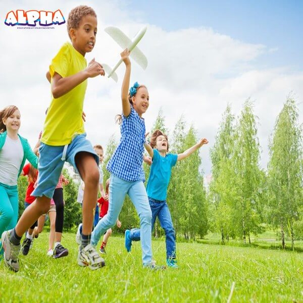 Alpha science toys: 7 Advantages of children using kids science toys in outdoor